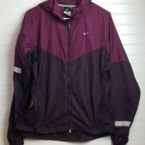 Women's Nike large windbreaker jacket
